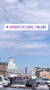 A picture from Helsinki harbour with blue skies